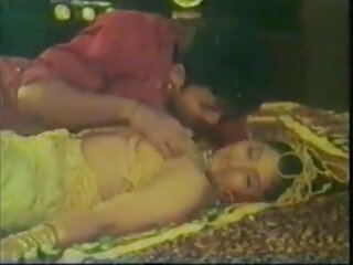 দক্ষিন যাদুমন্ত্র - সেক্সি বাঙালি মিশেল সি