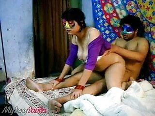 স্বামী বাংলা মুভির সেক্সি গান ও স্ত্রী