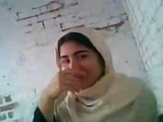 মারিনা ,প্যারিসে 20 বছর বয়সী সমাজবিজ্ঞান ছাত্র বাংলা সেক্সি ফিল্ম (2020)